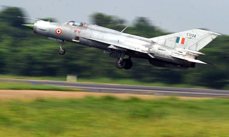 بھارت کا روسی ساختہ مگ 21 — اے ایف پی