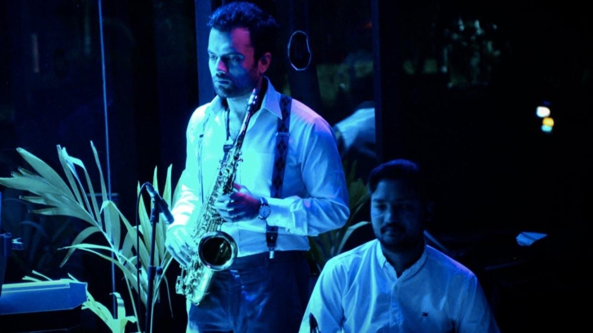 Danial Riaz (saxophone), Waqas Gulab (tabla and percussion)