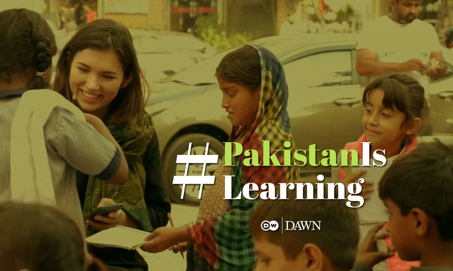 This Footpath School proves that #PakistanIsLearning despite all hurdles
