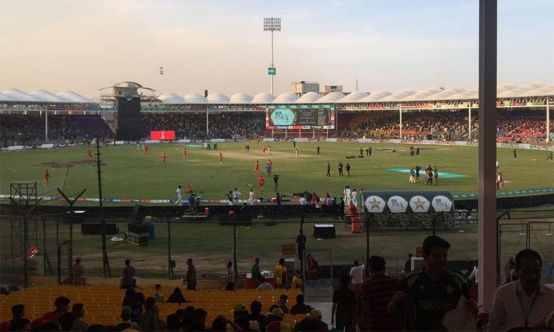 نیشنل اسٹیڈیم پاکستان میں کھیلوں کا پہلا میدان ہے جہاں ٹیفلون شیٹس نصب کی گئی ہیں—تصویر سوشل میڈیا