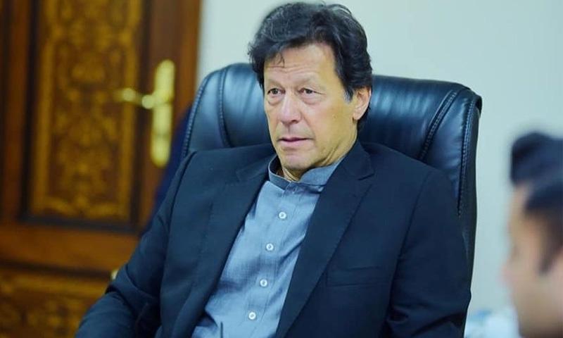 وزیراعظم نے سینئر صحافیوں اور اخباری مدیران سے غیررسمی ملاقات کی—فوٹو: عمران خان انسٹاگرام