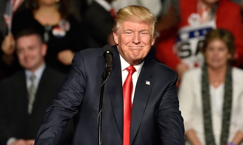 امریکی صدر نے یہ اعلان ایک نیوز کانفرنس کے اختتام میں پوچھے گئے سوال کے جواب میں کیا—فوٹو: شٹر اسٹاک