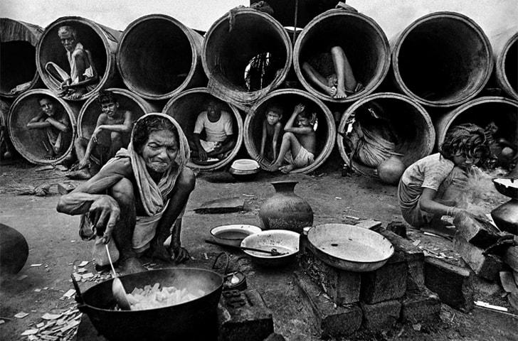 Top and above: Bangladesh, 1971 | Raghu Rai