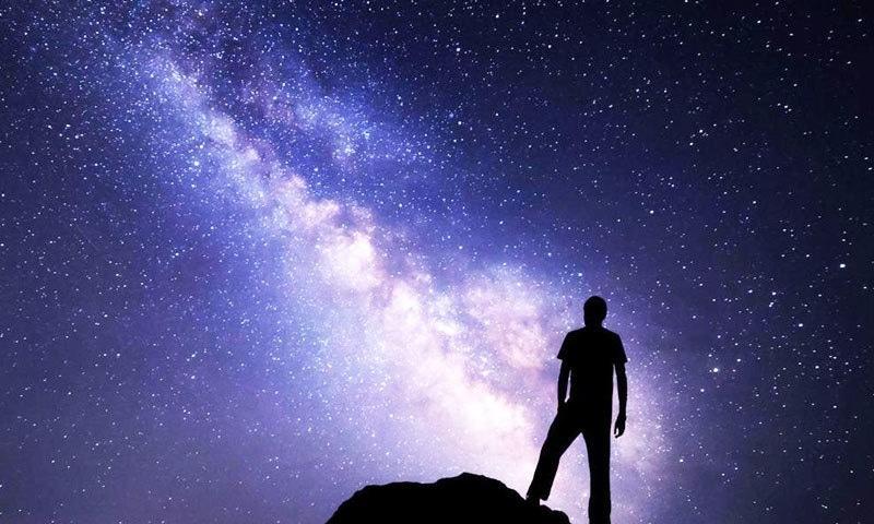 عام لوگ نئے ستاروں کی تلاش اور وہاں زندگی کے آثارات کو اب تک خیالی سمجھتے ہیں—فوٹو: اینالاٹک انڈیا میگ