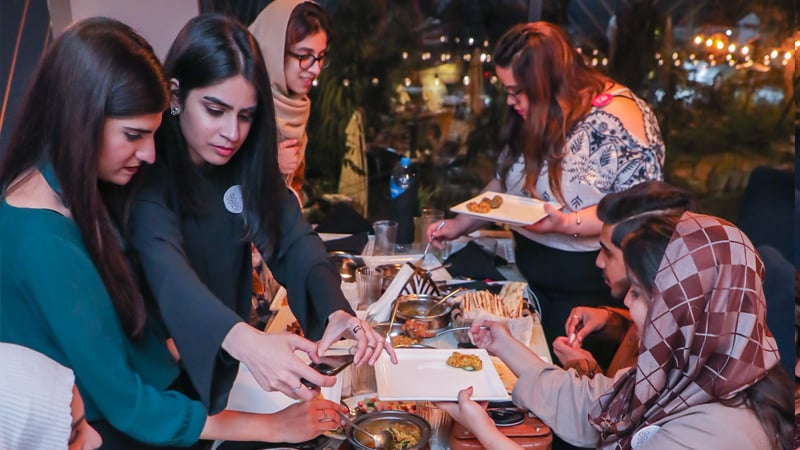 Foodies busy filling up their phones with the right boomerangs