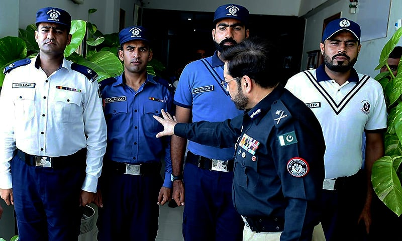 72483b5380746 Photo courtesy Sindh Police. IGP Kaleem Imam says the prime reason behind  the change is to enhance the policing process