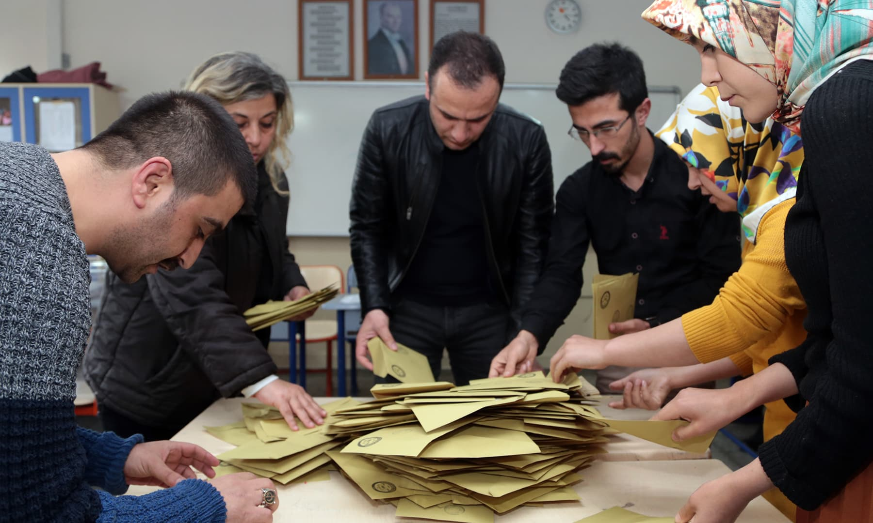 Scrutineers count votes after the polls for the local elections closed at a polling station in Kahramanmaras, Turkey on March 31, 2019. — ©Anadolu Agency