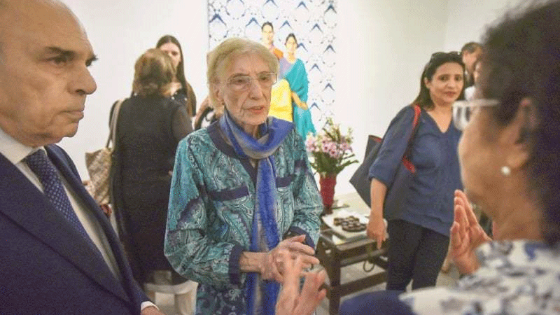 A big number of admirers of Ms Husain gathered at the gallery.