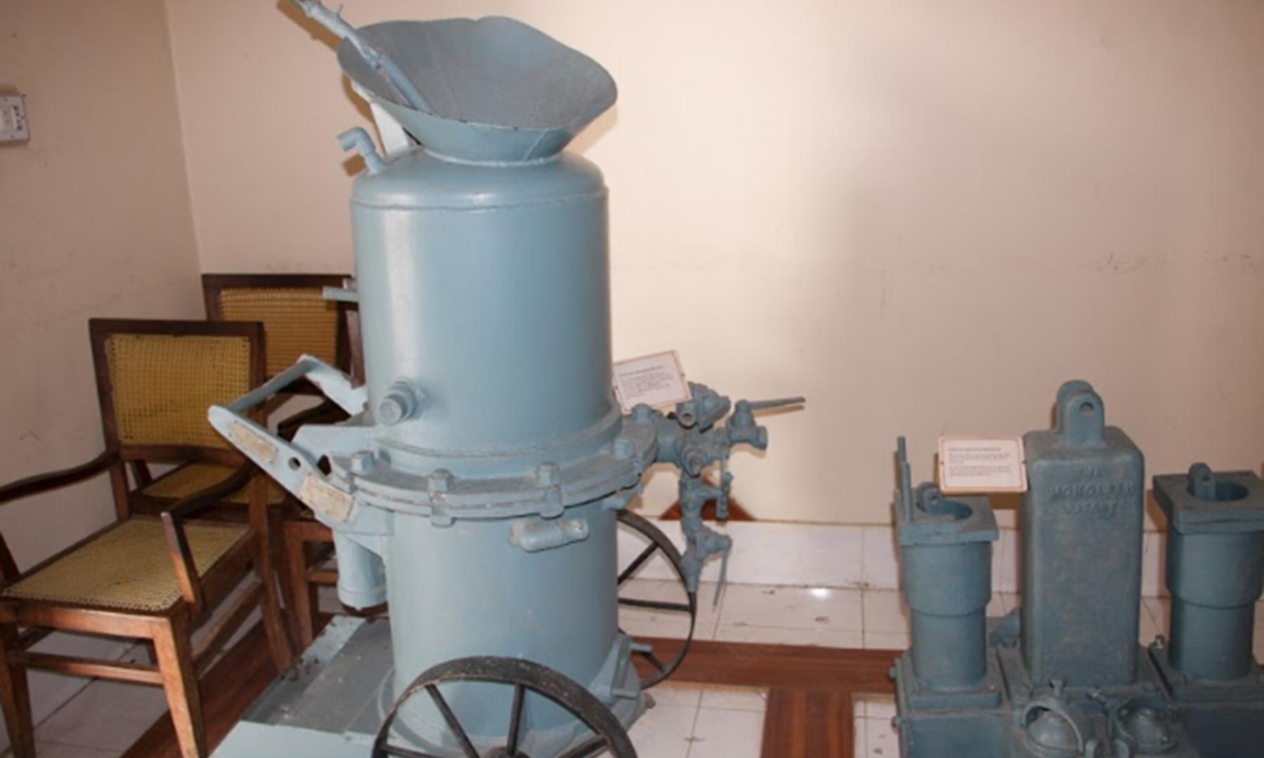 میوزیم میں موجود مشینیں—تصویر ابراہیم کنبھر