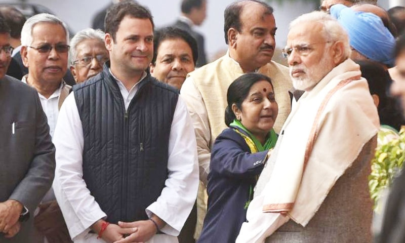 اگلے وزیر اعظم کے لیے نریندر مودی اور راہول گاندھی کے درمیان مقابلہ تھا—فائل فوٹو: سی این این