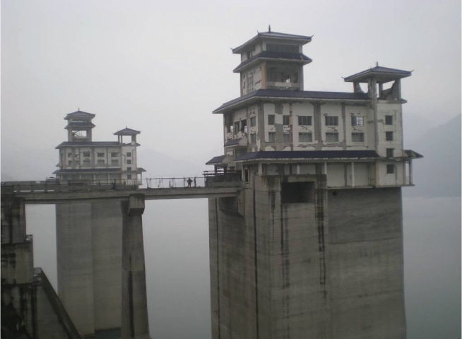Damage of reinforced concrete buildings on top of the intake towers of the Zipingpu reservoir,after the May 12, 2008 Wenchuan earthquake |Photos provided by ICOLD