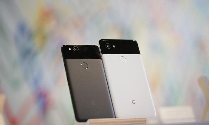 گوگل پکسل 2 اور پکسل 2 ایکس ایل — اے ایف پی فوٹو