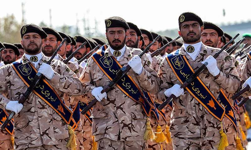 پاسداران انقلاب کو ایران کی مسلح افواج میں مرکزی حیثیت حاصل ہے—فوٹو:اے ایف پی