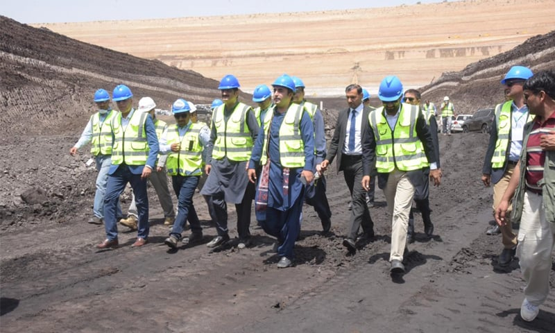 PPP chairman Bilawal Bhutto-Zardari along with Sindh Chief Minister Syed Murad Ali Shah visits the coal field in Thar after inaugurating coal-based power plants on Wednesday.—Dawn