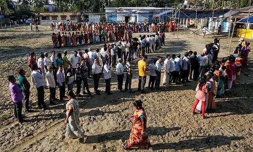 انتخابات 6 ہفتوں تک جاری رہیں گے، جس میں 543 نشستوں کے لیے ووٹنگ ہوگی—فوٹو: رائٹرز