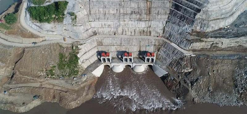 An ariel view of the 720MW Karot Hydropower Station is being established on River Jehlum with an estimated cost of $1,698.26m.—File photo