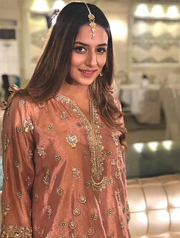 Kinza Razzak will be seen in Shamoon Abbasi's web-series Mind Games and also has a guest appearance in Mehreen Jabbar's Aik Jhoothi Love Story