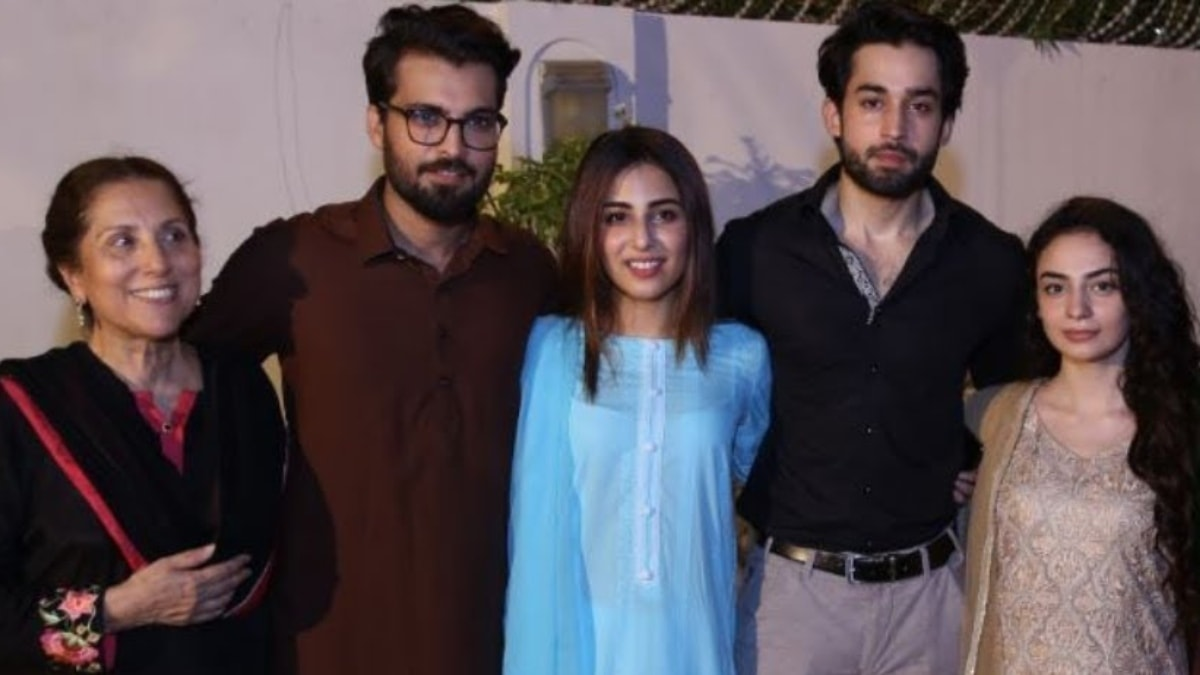 Ushna Shah with the cast of Balaa