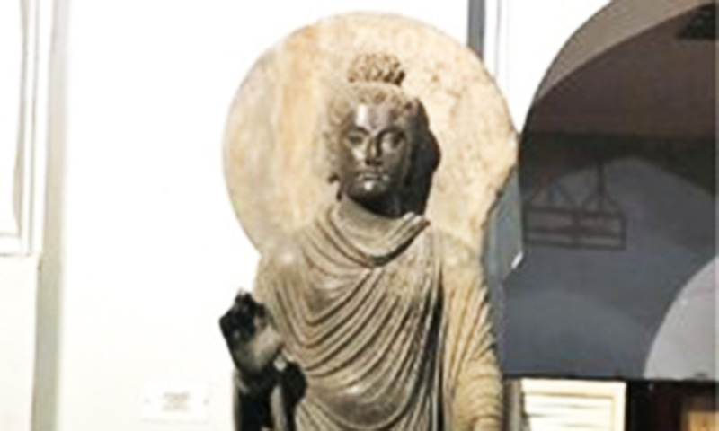 The size and history of the colossal Buddah make it unique.