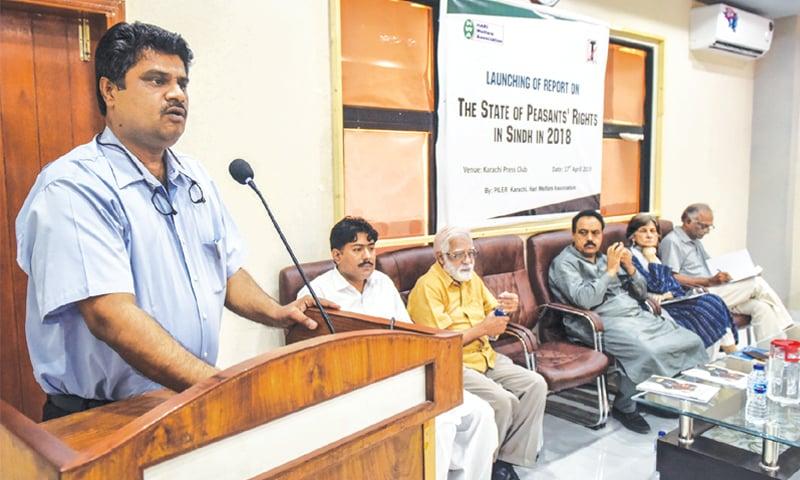 Iqbal Detho speaks at the event. —White Star
