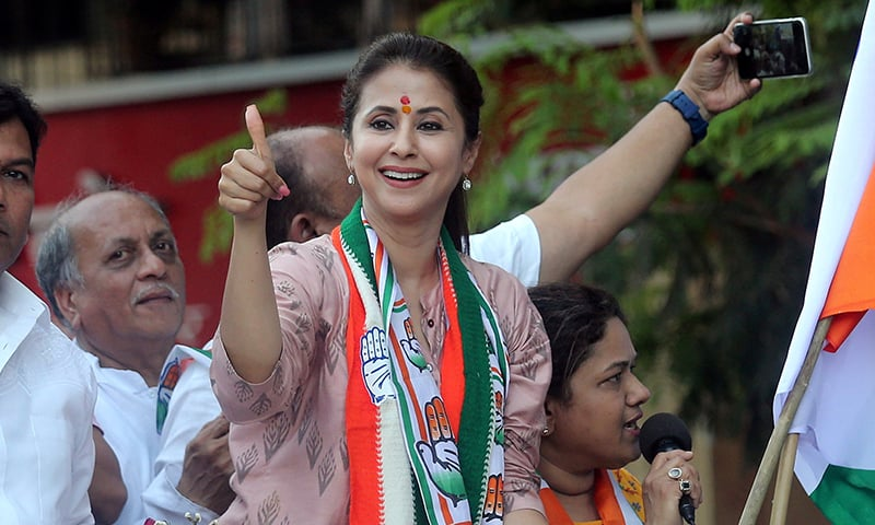 Urmila Matondkar, Bollywood actress-turned-politician who recently joined India's main opposition Congress party, gestures during her election campaign rally in Mumbai. ─ Reuters