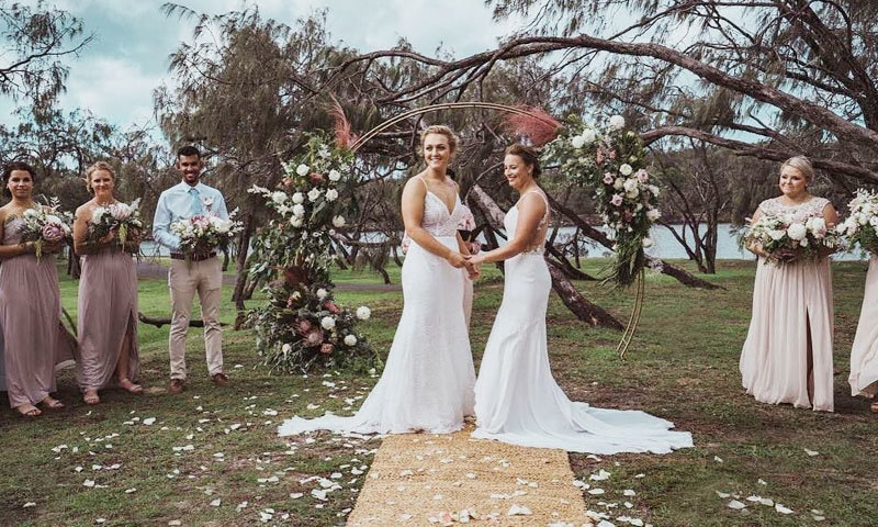 آسٹریلیا کی نکولا ہنکاک کی عمر 32 سال اور نیوزی لینڈ کی ہیلی جینسن 26 سال کی ہیں  —فوٹو: ٹوئٹر