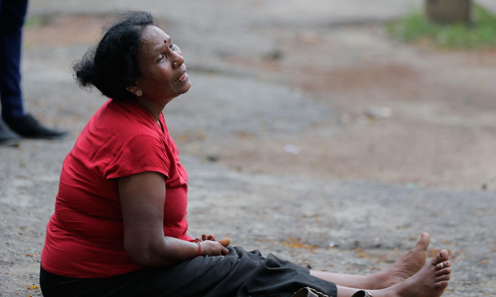 8 بم دھماکوں میں 207 سے زائد افراد ہلاک ہوئے — فوٹو: اے پی
