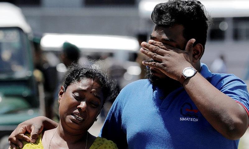 سری لنکا میں ہونے والے بم دھماکوں میں 290 افراد کی ہلاکت کی تصدیق ہوچکی ہے— فوٹو: رائٹرز
