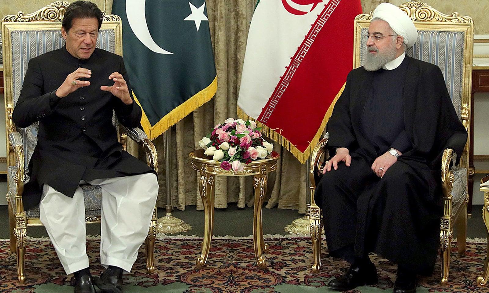 دونوں ممالک کے رہنماؤں کے درمیان براہ راست ملاقات ہوئی—فوٹو: اے ایف پی