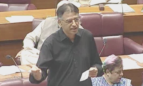 Former finance minister Asad Umar addresses the National Assembly days after stepping down from the cabinet. ─ DawnNewsTV