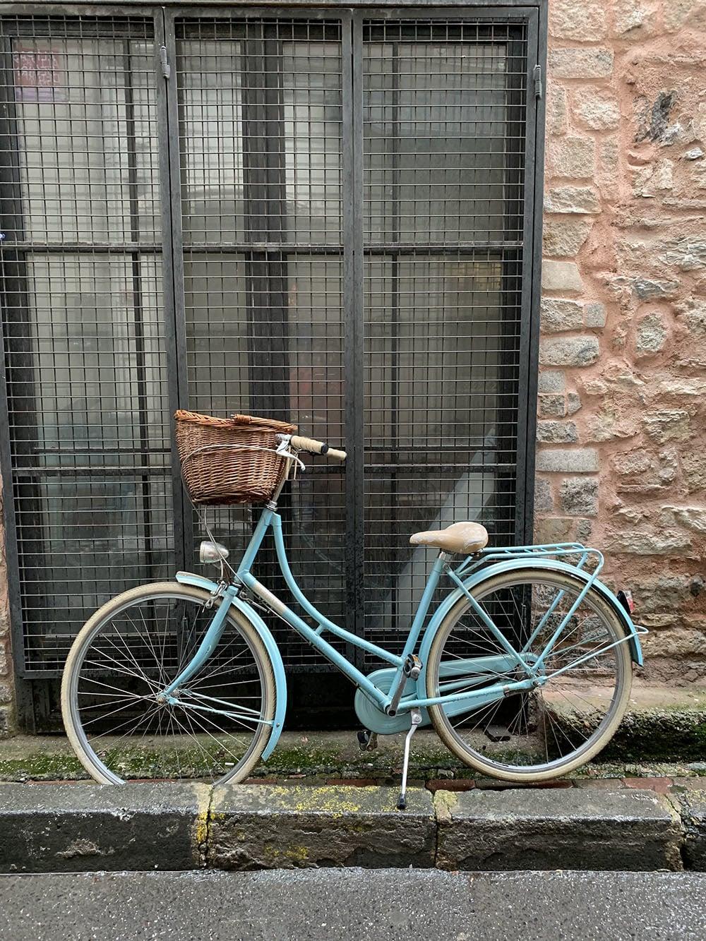 A bicycle in Kemankeş Karamustafa Paşa Mahallesi in Karaköy.