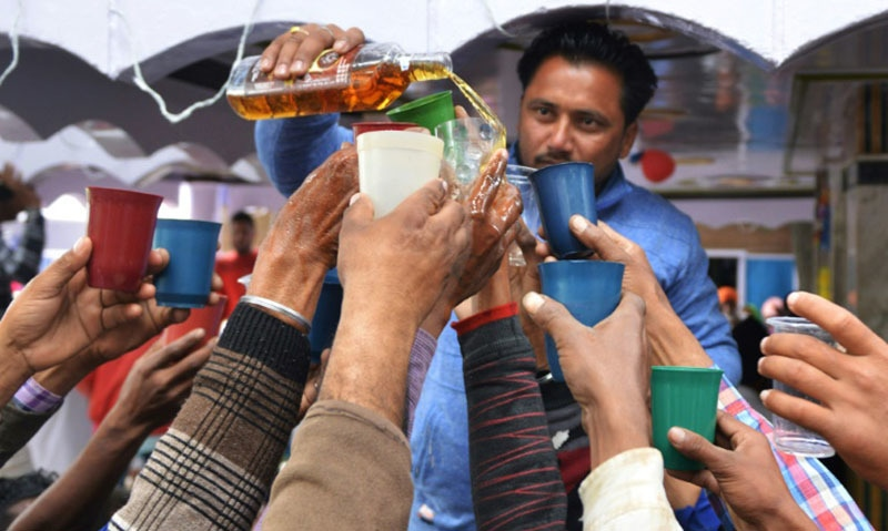 By 2030 half of all adults worldwide will drink alcohol, and almost a quarter will binge drink at least once a month, according to projections covering 189 countries. — AFP/File