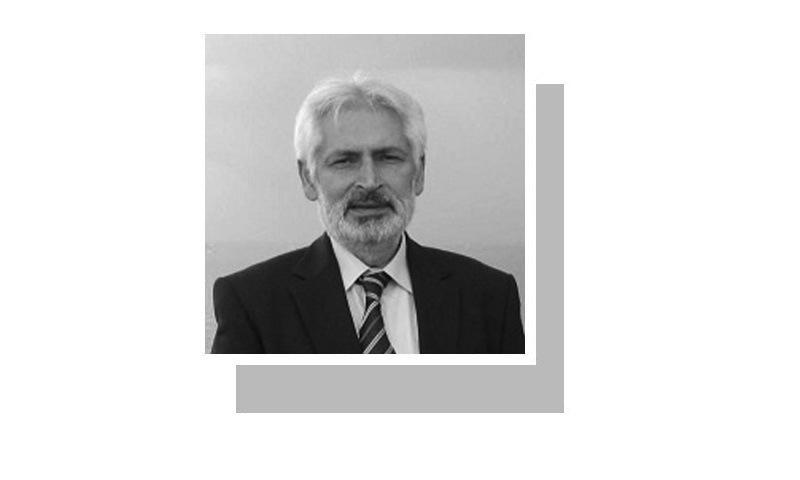 لکھاری پشاور میں مقیم فری لانس صحافی ہیں۔