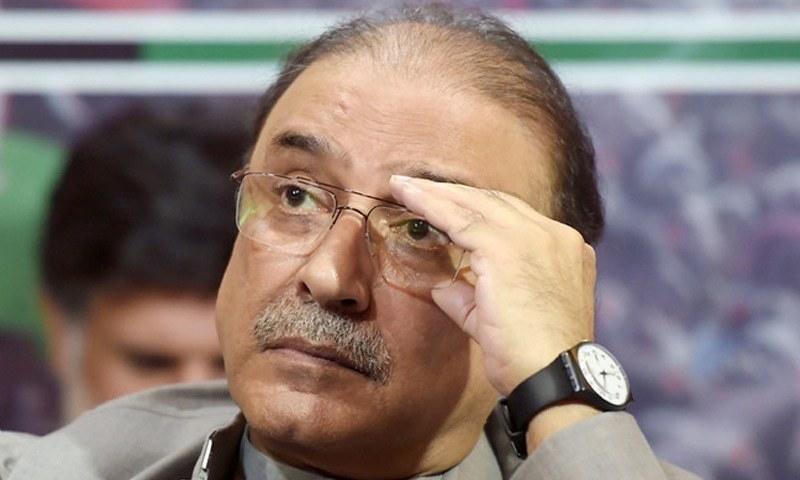 فاروق ایچ نائیک نے پی پی پی کے شریک چیئرمین پر لگائے گئے تمام الزامات کو مسترد کردیا — فائل فوٹو/ اے ایف پی