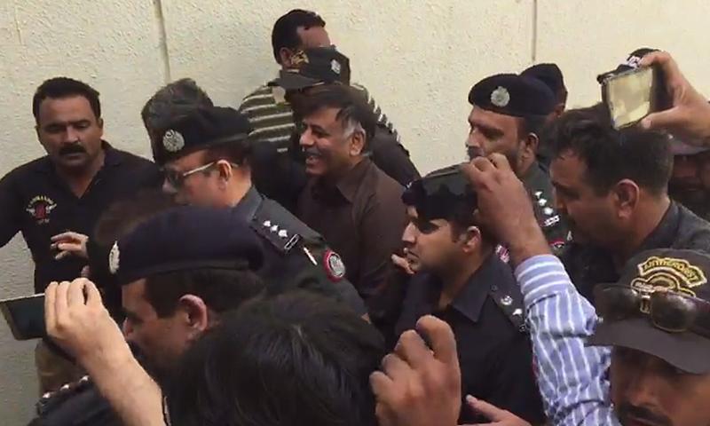 Retired SSP Rao Anwar at an earlier court hearing. — DawnNewsTV/File