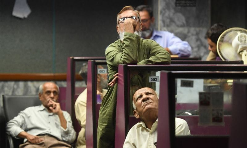The stock market declined on Friday, with the benchmark KSE-100 index down 2.4pc by 11:15am. — AFP/File