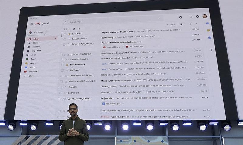 گوگل کے سی ای او سندر پچائی سالانہ ڈویلپرز کانفرنس میں جی میل پر بات کررہے ہیں — اے پی فوٹو