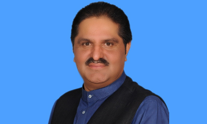 سردار علی محمد خان مہر نے الیکشن میں کامیابی کے بعد تحریک انصاف میں شمولیت اختیار کی۔ —فوٹو بشکریہ قومی اسمبلی ویب سائٹ