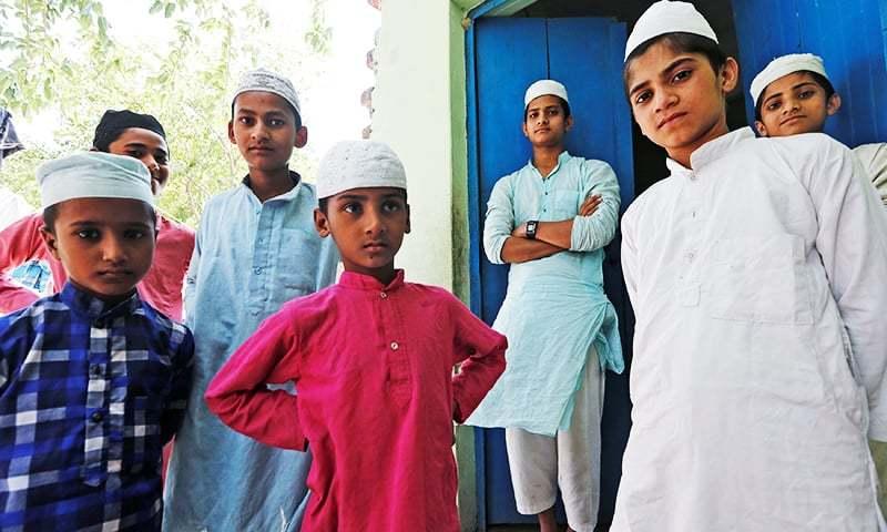 گزشتہ دو برس میں متعدد مسلمان گھرانے محفوظ مقام پر ہجرت کرنے پر مجبور ہوئے ہیں—فوٹو: رائٹرز
