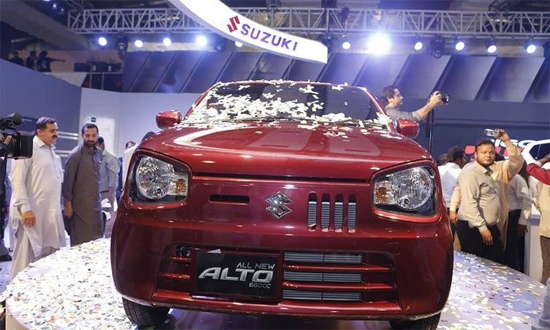 پاک سوزوکی نے پاکستان میں پہلی مرتبہ 660 سی سی انجن سے لیس مقامی طور پر تیار ہونے والی گاڑی آلٹو کو رواں سال اپریل میں متعارف کرایا تھا۔ فوٹو: فیس بک