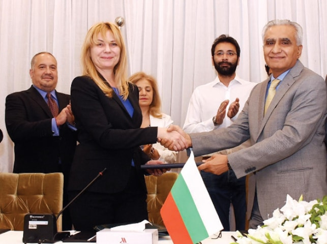ISLAMABD: Secretary Economic Affairs Division Noor Ahmed and Bulgarian Deputy Minister of Economy Mrs Liliya Ivanova exchanging documents after signing taxation treaty on Tuesday.