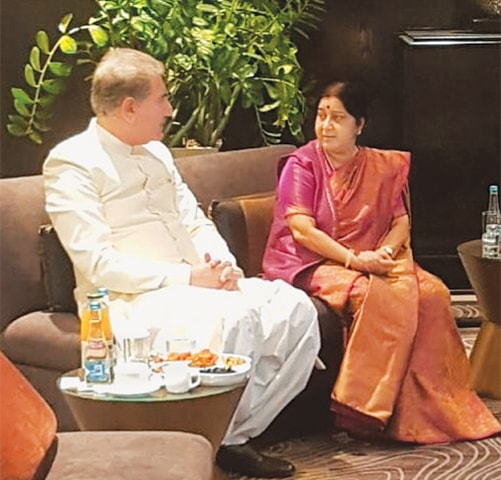 Foreign Minister Shah Mehmood Qureshi with his Indian counterpart Shushma Swaraj.