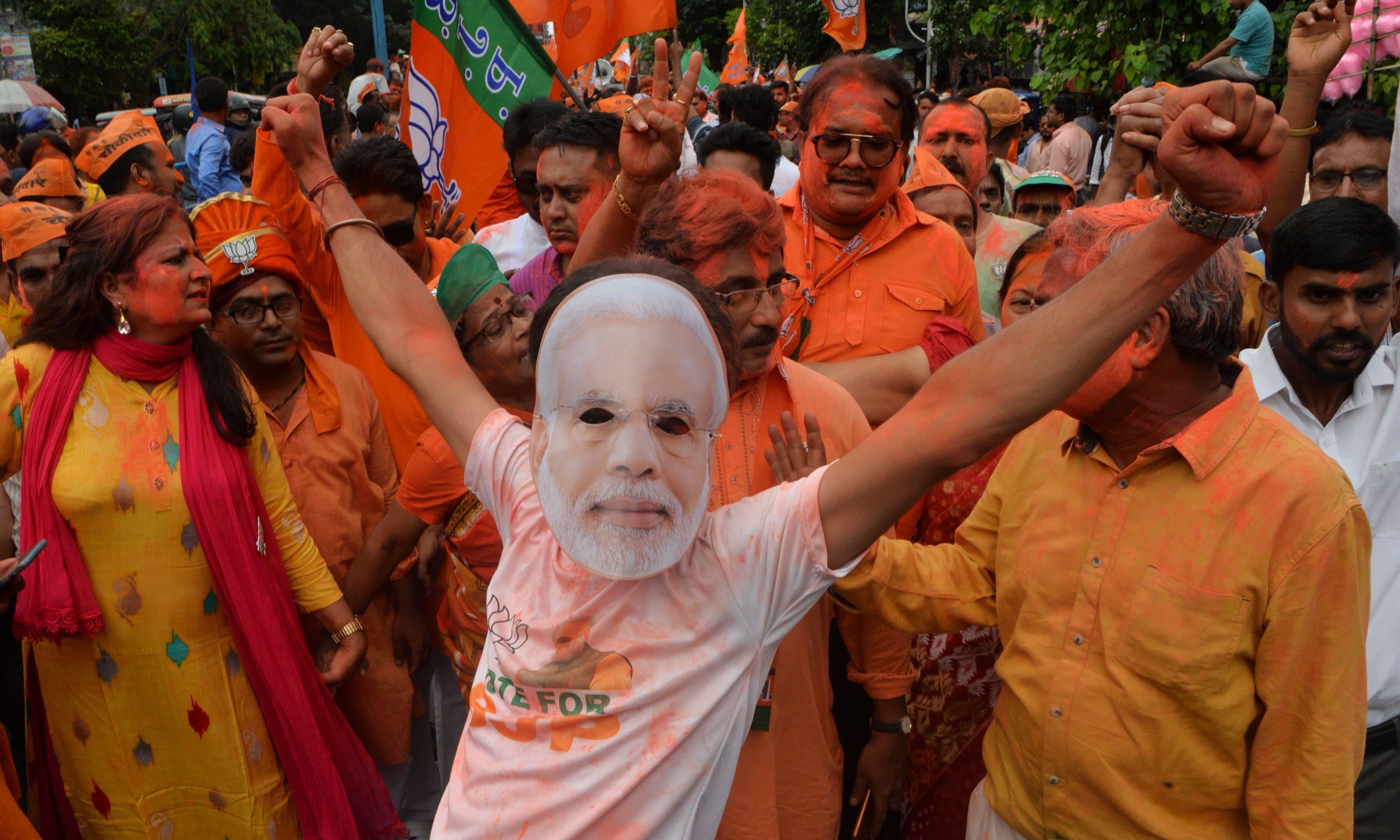 لوک سبھا انتخابات میں کامیابی پر پورے بھارت میں جشن منایا گیا —فوٹو/ اے ایف پی