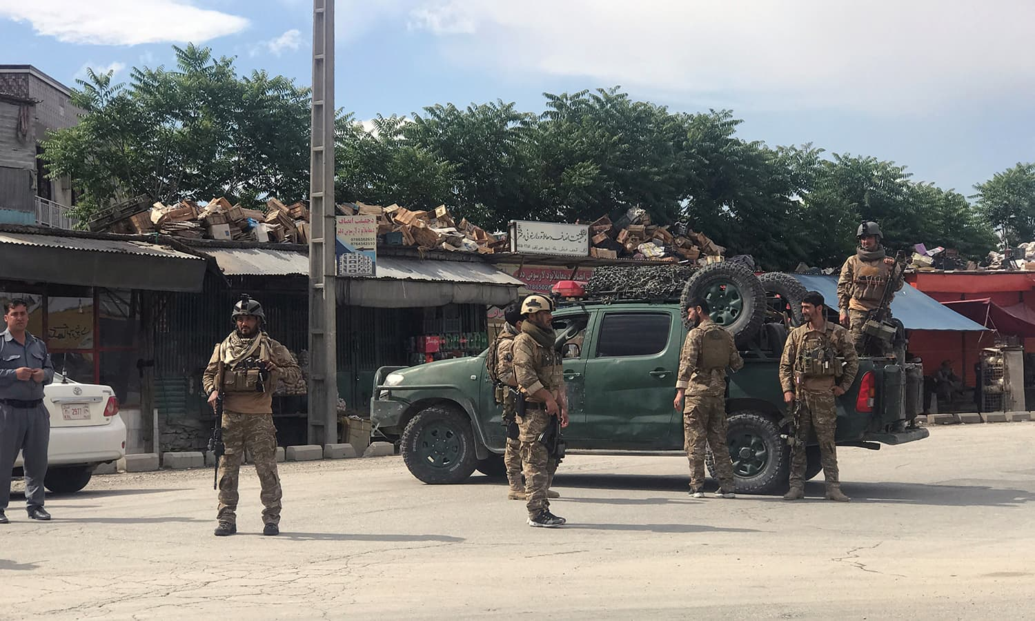 Imam killed, 16 wounded in Kabul mosque blast: officials