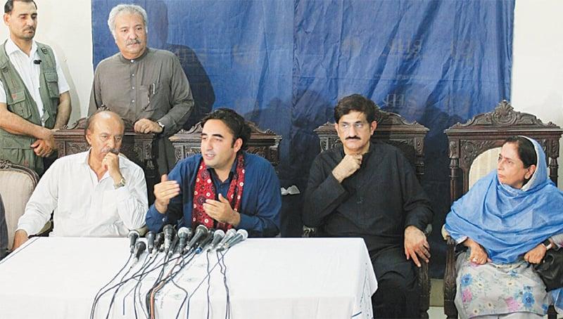 RATODERO: Bilawal Bhutto-Zardari speaking to media personnel at a blood screening camp on Saturday.—Saeed Memon / Dawn