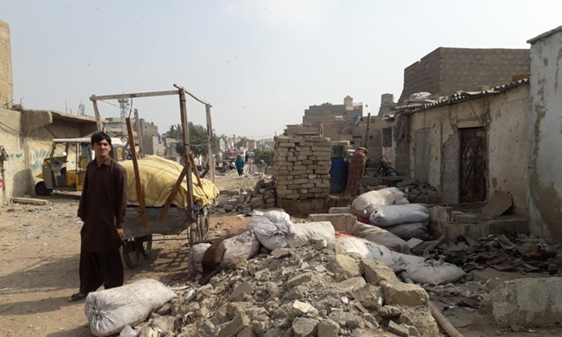 An informal shoe recycling workshop demolished.—KUL