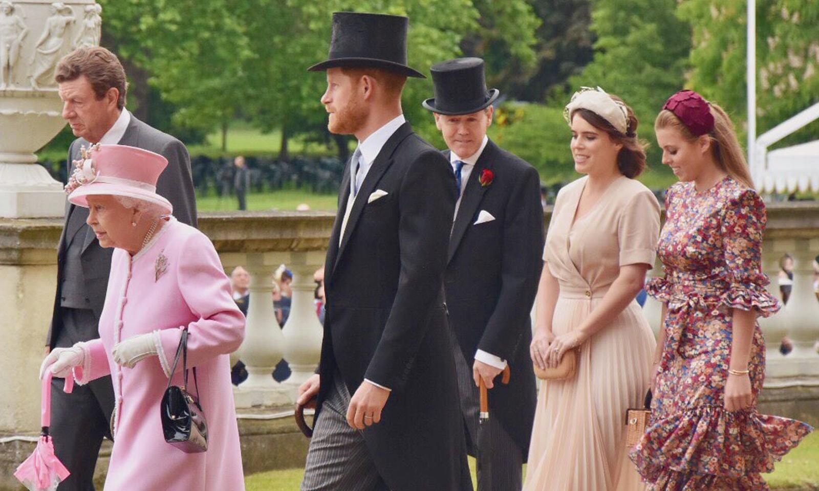 ملکہ برطانیہ کے ہمراہ شاہی خاندان کے دیگر افراد نے اوپننگ پارٹی میں شرکت کی — فوٹو: دی رائل فیملی