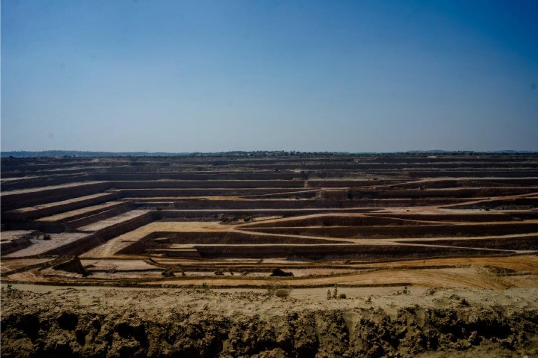Open-pit mining in Thar desert near Islamkot | Photo by Mohammad Ali, White Star