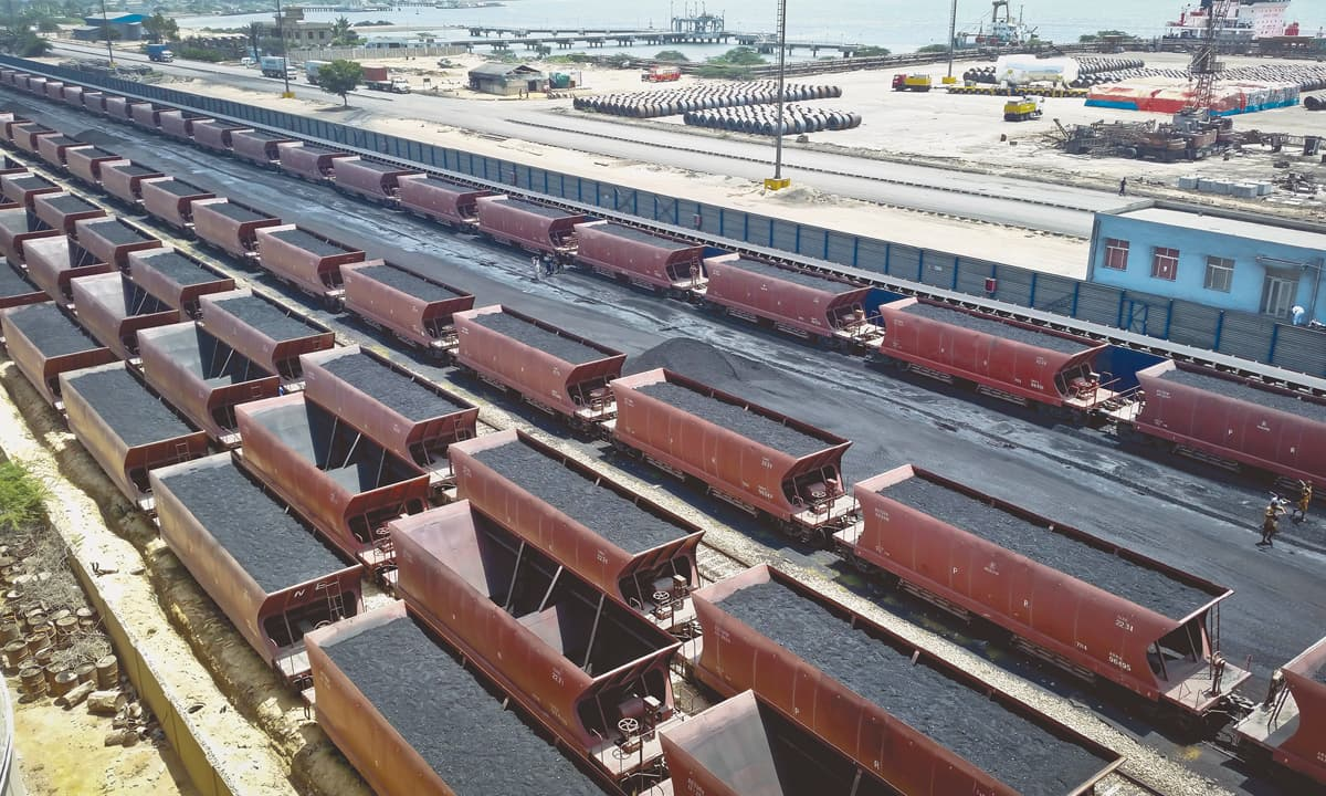 Coal being transported in open bogies in port Qasim area, Karachi | Photo by Fahim Siddiqui, White Star