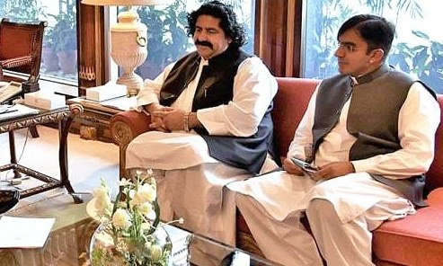 The Special Situation Report states that protesters gathered at the Kharqamar check post on the instigation of MNAs Ali Wazir (L) and Mohsin Dawar (R). ─ PID/File